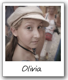 The Traveling Trio host - Olivia